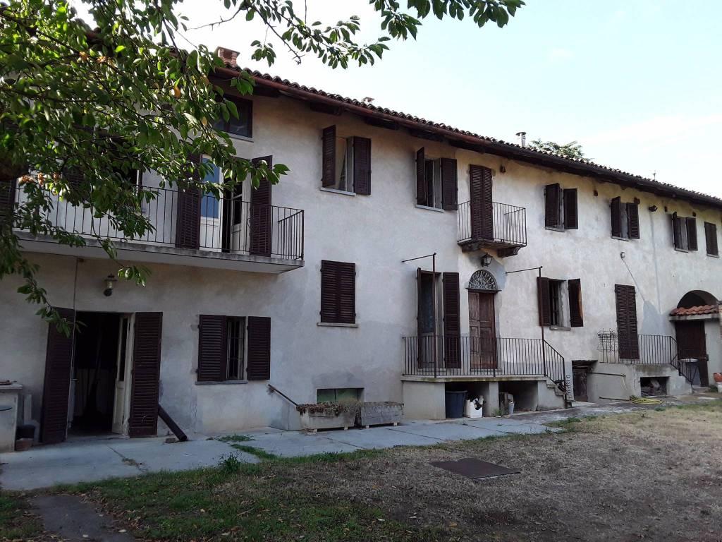 Rustico / Casale in vendita a San Martino Alfieri, 12 locali, prezzo € 149.000   PortaleAgenzieImmobiliari.it