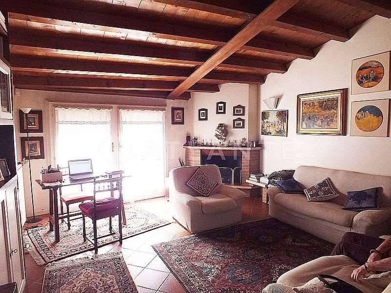 Appartamento in ottime condizioni in vendita Rif. 5146363