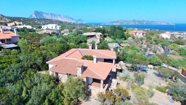 Villa in buone condizioni parzialmente arredato in vendita Rif. 4212133