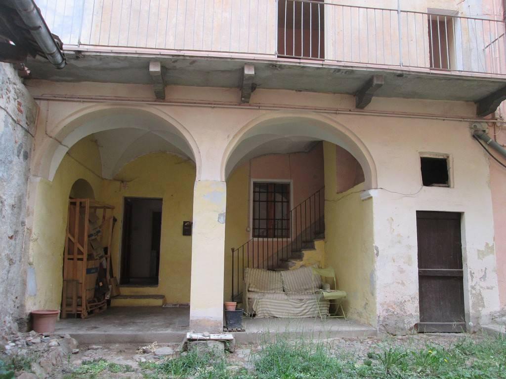 Appartamento da ristrutturare in vendita Rif. 4209435
