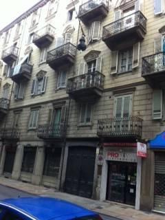Appartamento in vendita a Torino, 3 locali, zona Zona: 2 . San Secondo, Crocetta, prezzo € 70.000 | CambioCasa.it