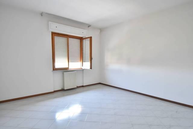 Appartamento in buone condizioni in vendita Rif. 4894625