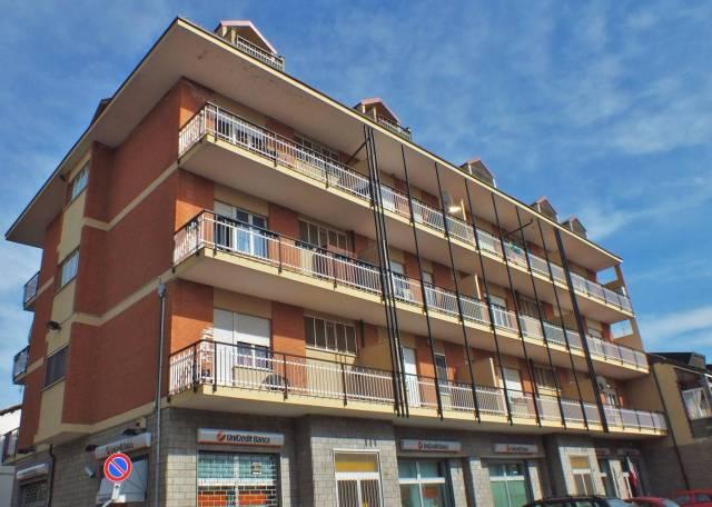 Appartamento in buone condizioni in affitto Rif. 4411576