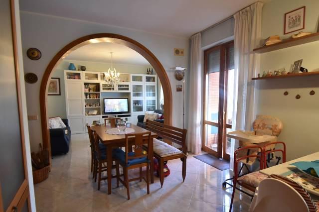 Appartamento in buone condizioni in vendita Rif. 4894626