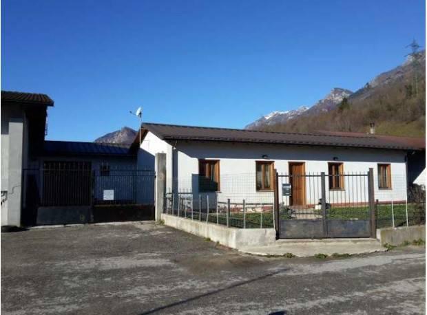 Appartamento in buone condizioni in vendita Rif. 7643658