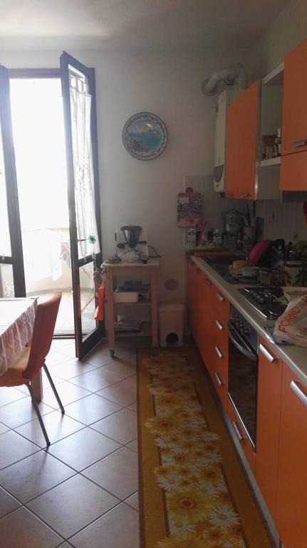 Appartamento in Affitto a Rolo: 3 locali, 70 mq