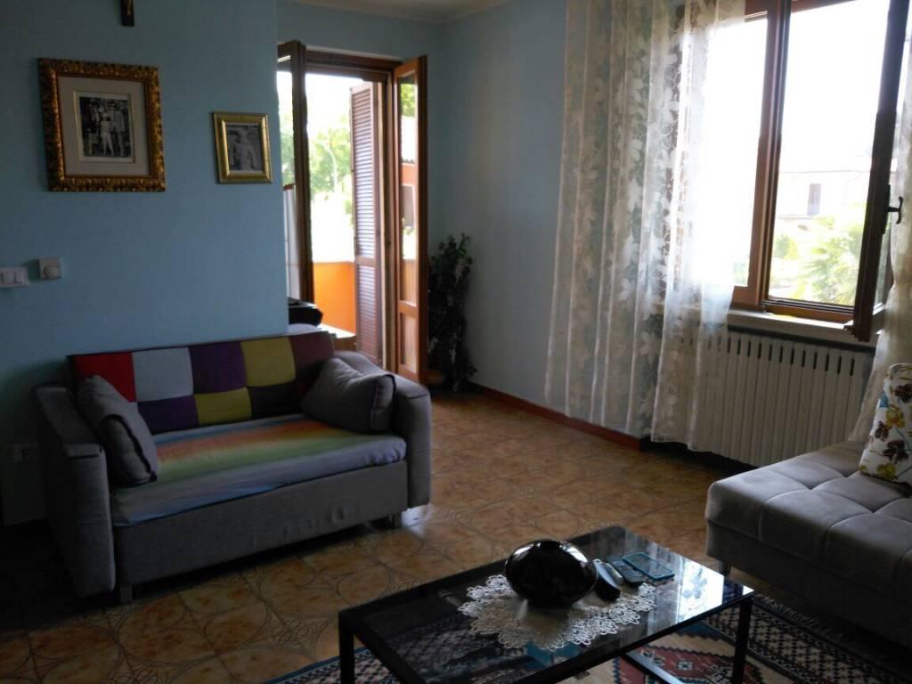 Appartamento in vendita a Volta Mantovana, 4 locali, prezzo € 125.000 | CambioCasa.it