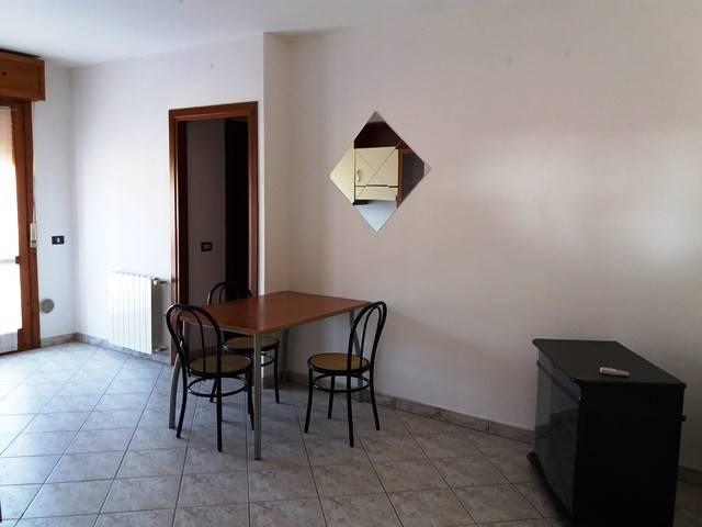 Appartamento in buone condizioni arredato in vendita Rif. 4917276