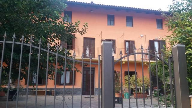 Rustico / Casale in vendita a Castellinaldo, 5 locali, prezzo € 245.000 | CambioCasa.it
