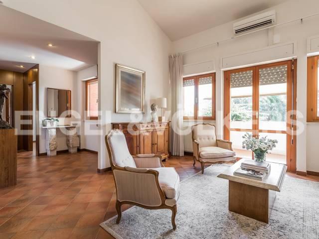Villa in Vendita a Roma: 4 locali, 279 mq