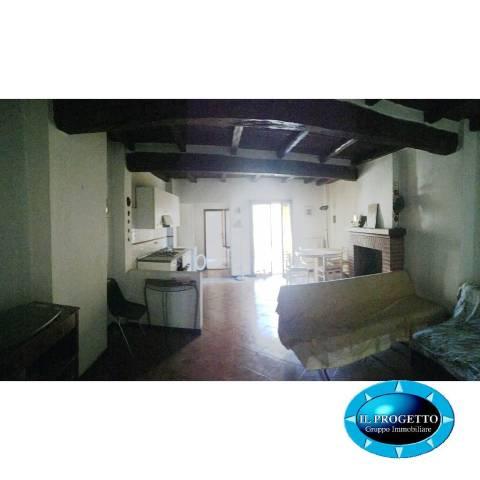 Appartamento in Vendita a Bologna Centro: 4 locali, 87 mq