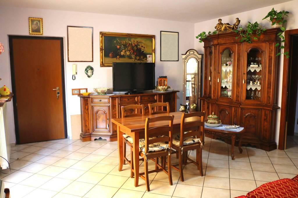 Appartamento in vendita a Calvisano, 3 locali, prezzo € 100.000 | CambioCasa.it