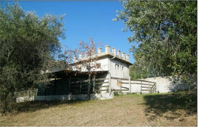 Casa Indipendente da ristrutturare in vendita Rif. 4599430