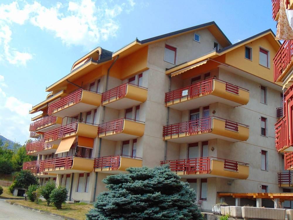 Appartamento in buone condizioni in vendita Rif. 5187709