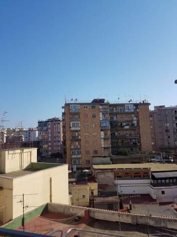 Appartamento in vendita 2 vani 65 mq.  via Simone Martini Napoli