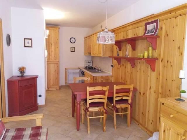 Appartamento in buone condizioni in vendita Rif. 4974915