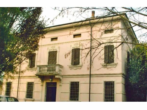 Rustico / Casale in buone condizioni in vendita Rif. 4242821