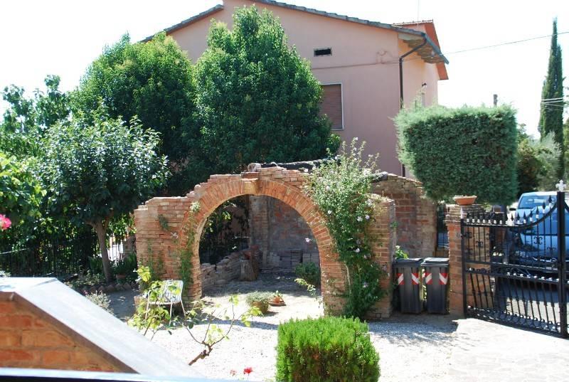 Appartamento in vendita a Castiglione del Lago, 6 locali, prezzo € 160.000 | PortaleAgenzieImmobiliari.it