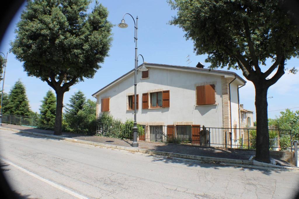 Casa Indipendente in buone condizioni parzialmente arredato in vendita Rif. 4253950