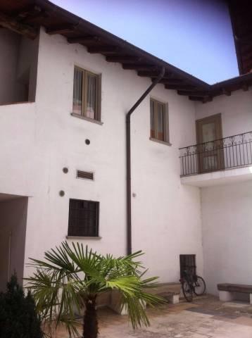 Appartamento in ottime condizioni arredato in affitto Rif. 4401393