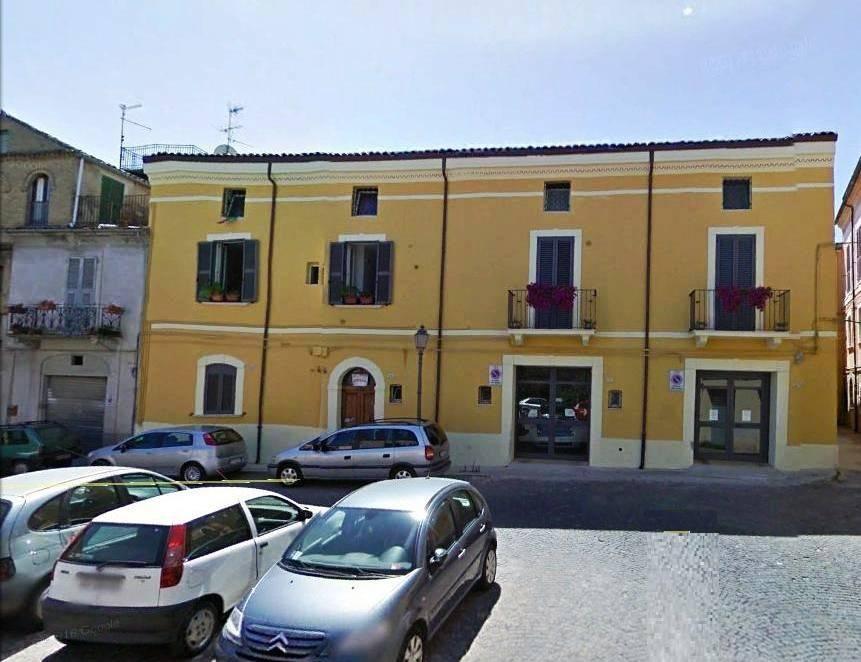 Appartamento in buone condizioni arredato in affitto Rif. 4982671