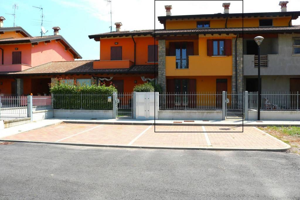 Villa a Schiera in Vendita a Montichiari