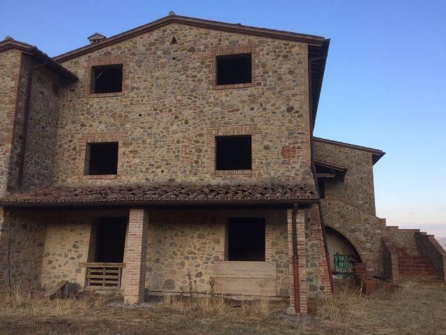 TERRENO EDIFICABILE E AGRICOLO 105 ETTARI Rif.11881254