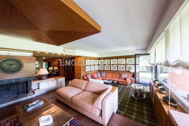 Appartamento in ottime condizioni parzialmente arredato in vendita Rif. 6036072
