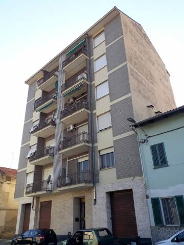 Appartamento in buone condizioni in vendita Rif. 4980440