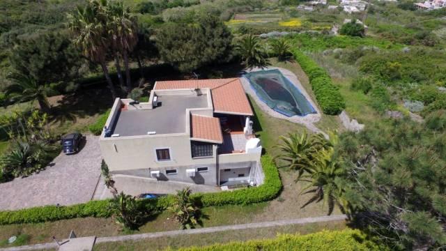 Villa trilocale in vendita a Lipari (ME)