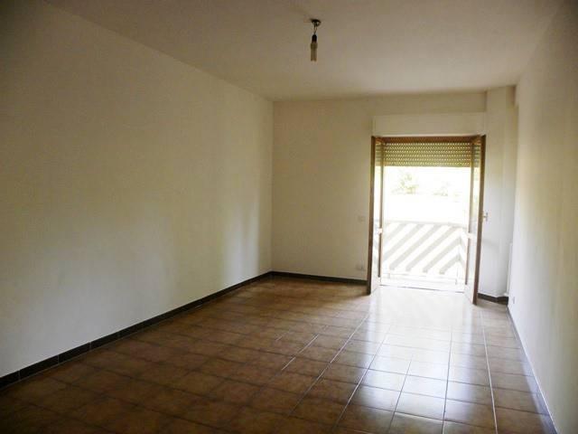 Appartamento in vendita a Bracciano, 4 locali, prezzo € 169.000 | CambioCasa.it