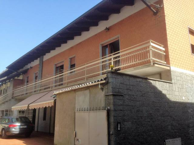 Centro Saluggia vendesi casa indipendente bifamiliare