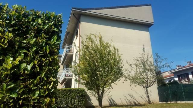 Appartamento in vendita a Cermenate, 4 locali, prezzo € 114.000   CambioCasa.it