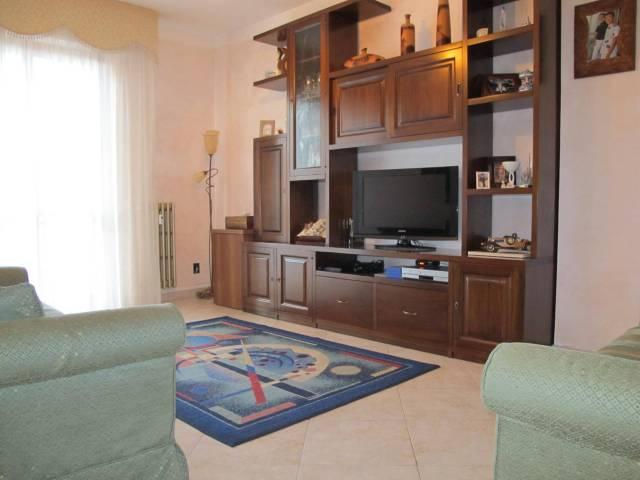 Appartamento in Vendita a Pistoia Periferia Ovest: 4 locali, 97 mq