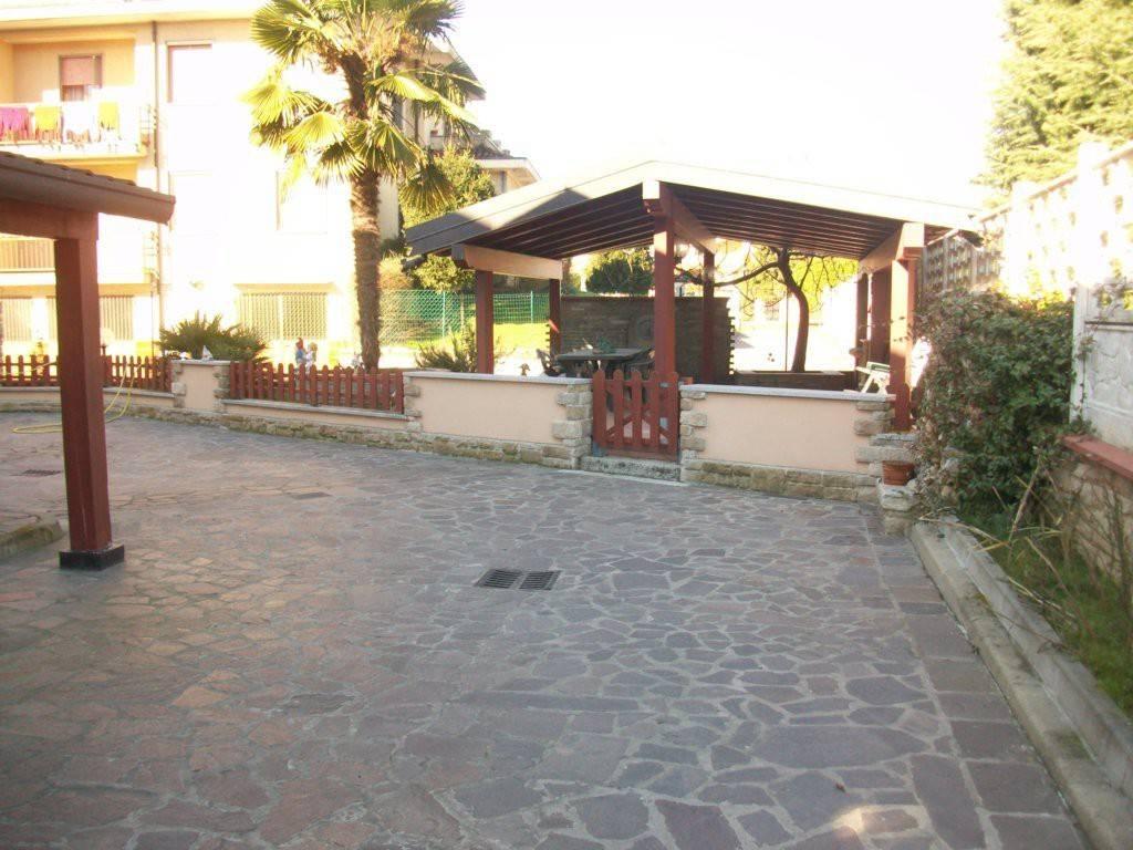 Villa in ottime condizioni in vendita Rif. 6973223