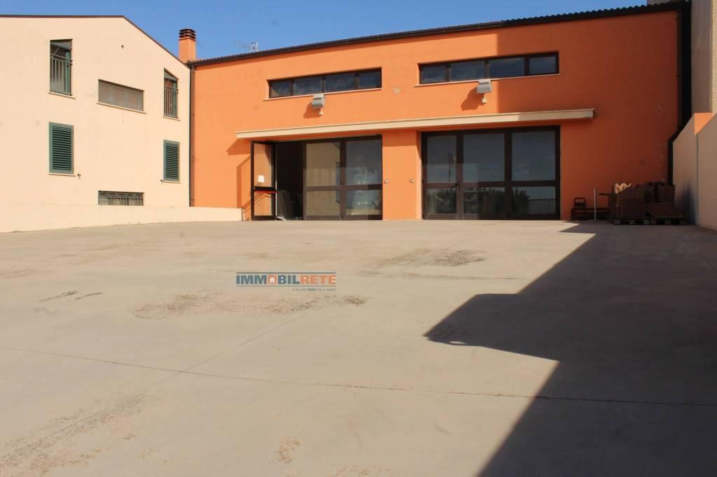 Magazzino - capannone in vendita Rif. 4911489