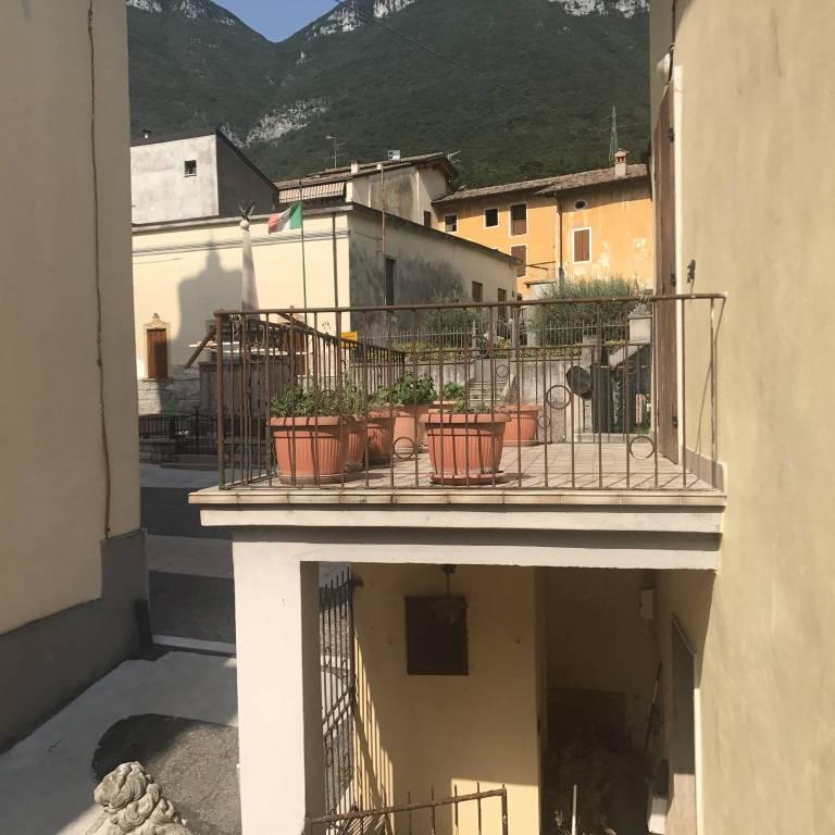 Foto 1 di Casa indipendente via Roma 36, frazione Belluno Veronese, Brentino Belluno