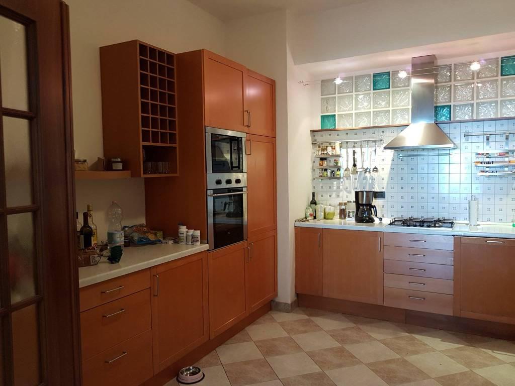Appartamento in affitto a Moncalieri, 7 locali, prezzo € 1.700 | PortaleAgenzieImmobiliari.it