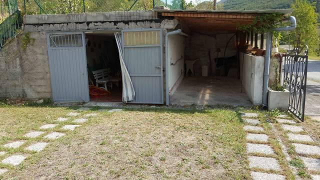 Appartamento in buone condizioni in vendita Rif. 4194165