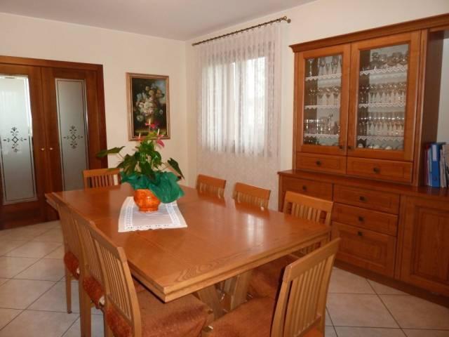 Villa 6 locali in vendita a Prata di Pordenone (PN)