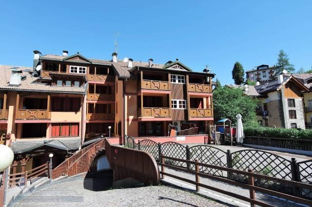 Appartamento in buone condizioni arredato in vendita Rif. 4289905
