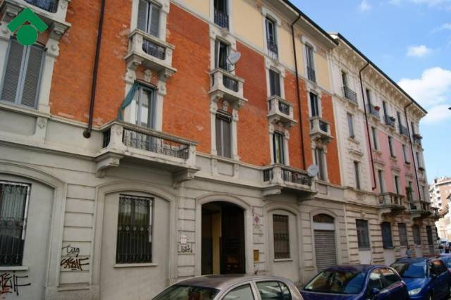 Loft in vendita 2 vani 63 mq.  via Leonardo Bruni Milano