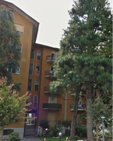 Appartamento in buone condizioni in affitto Rif. 4378098