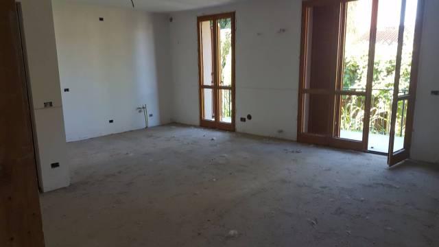 Appartamento in vendita a Valle Salimbene, 4 locali, prezzo € 195.000 | CambioCasa.it