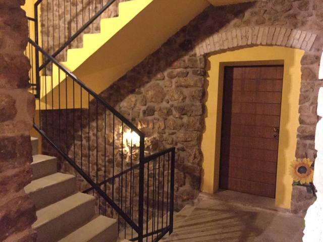 Appartamento in ottime condizioni in vendita Rif. 4361509
