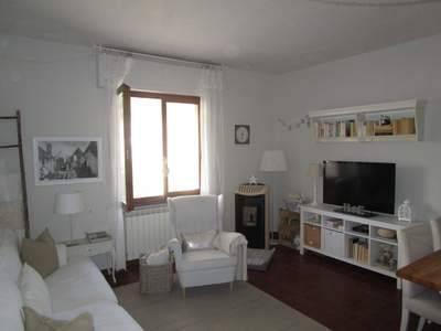 Appartamento in buone condizioni in vendita Rif. 4850098