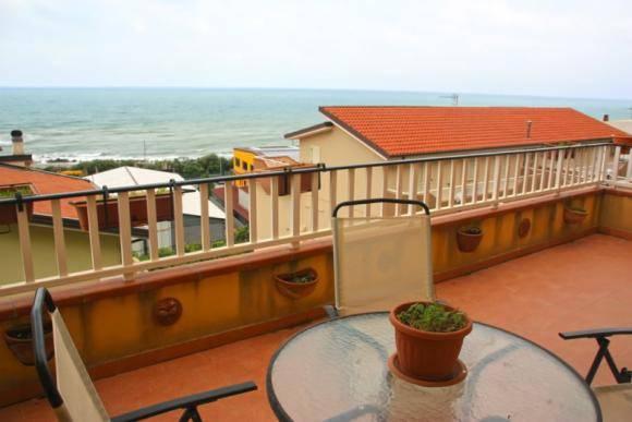 Appartamento in buone condizioni arredato in vendita Rif. 7505892