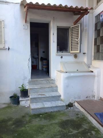 Appartamento da ristrutturare in vendita Rif. 6074248