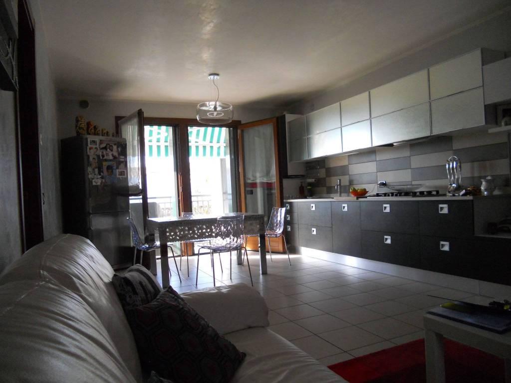 Appartamento in ottime condizioni in vendita Rif. 4848186