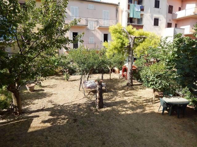 Appartamento in ottime condizioni parzialmente arredato in vendita Rif. 7338684